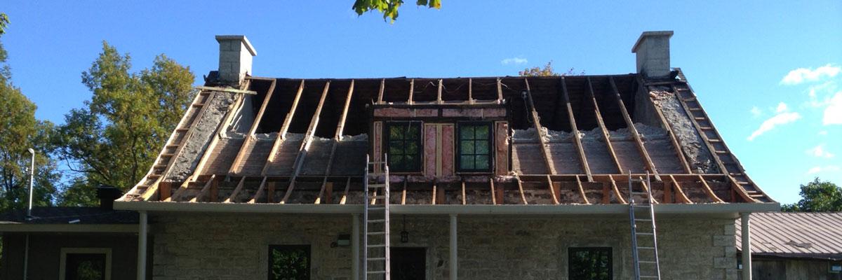 r nover une toiture ancienne les couvreurs duro toit. Black Bedroom Furniture Sets. Home Design Ideas